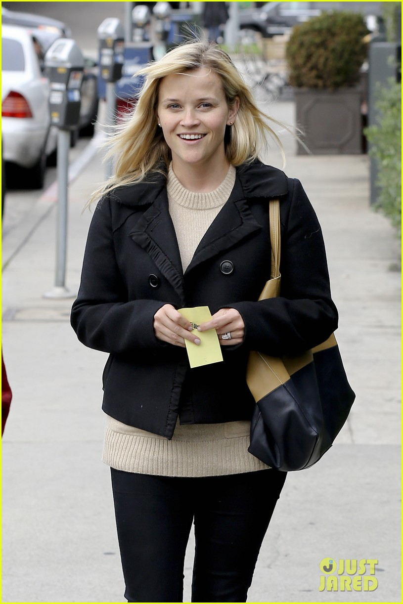mindy kaling reese witherspoon lunch 122767428