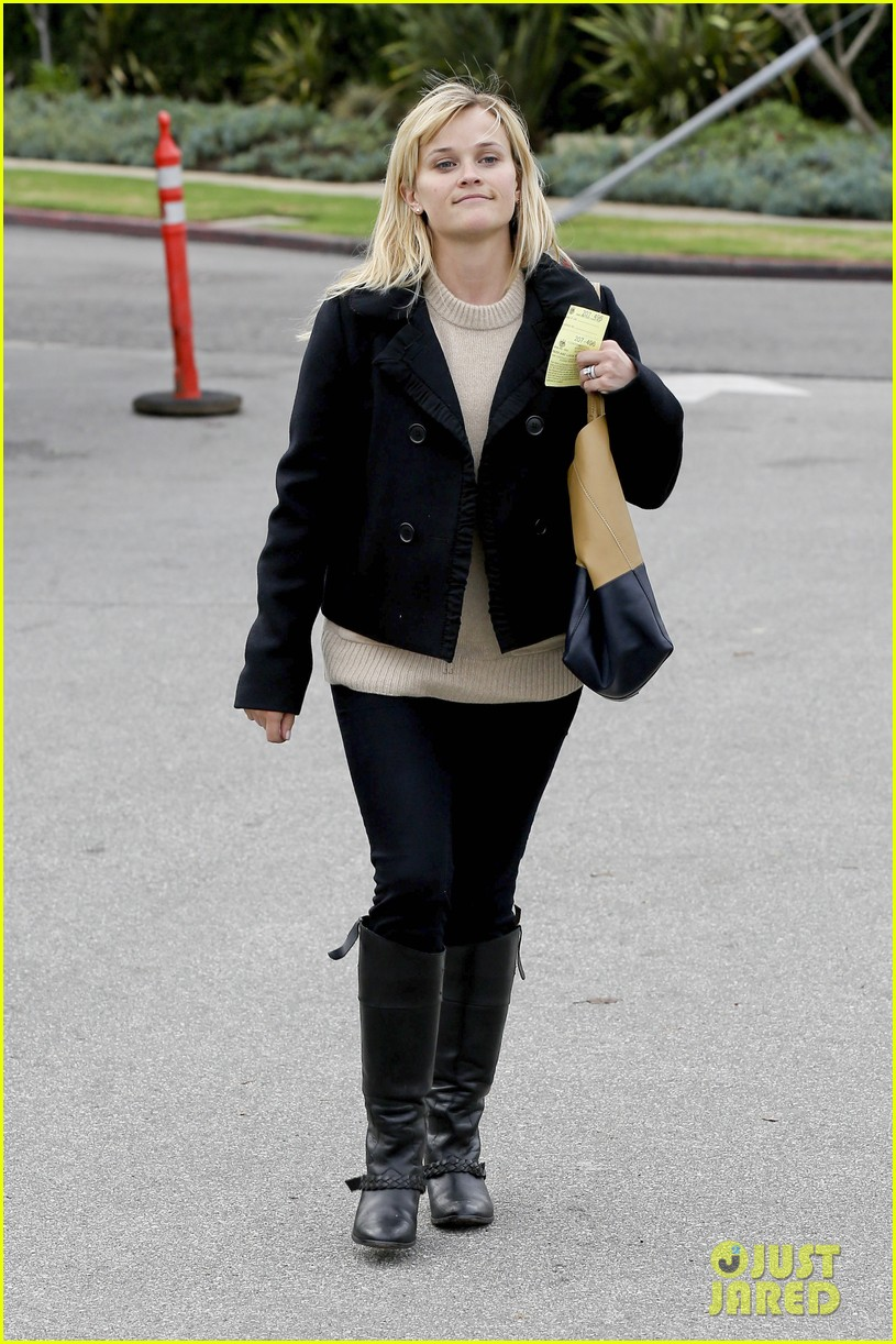 mindy kaling reese witherspoon lunch 21