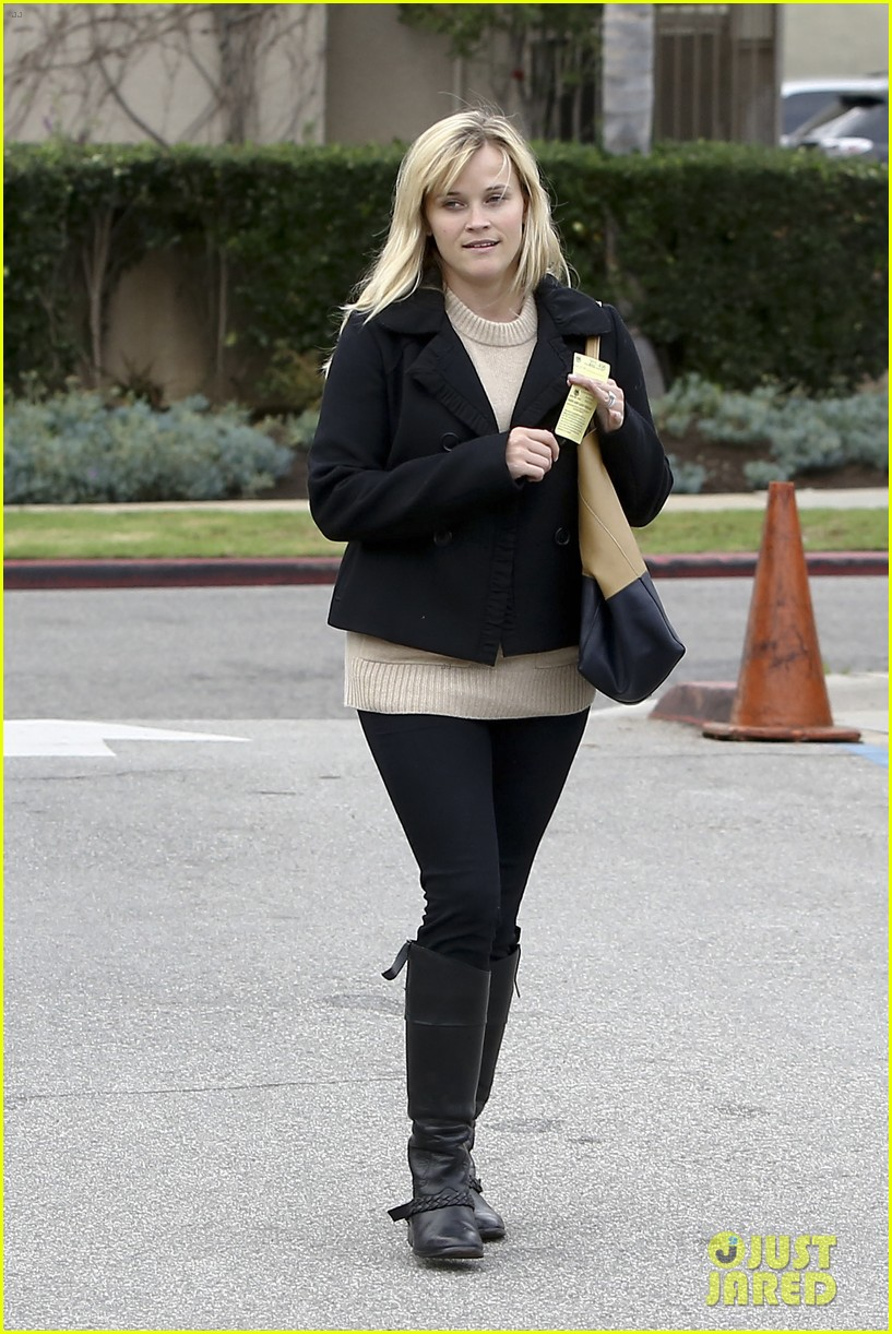 mindy kaling reese witherspoon lunch 232767439