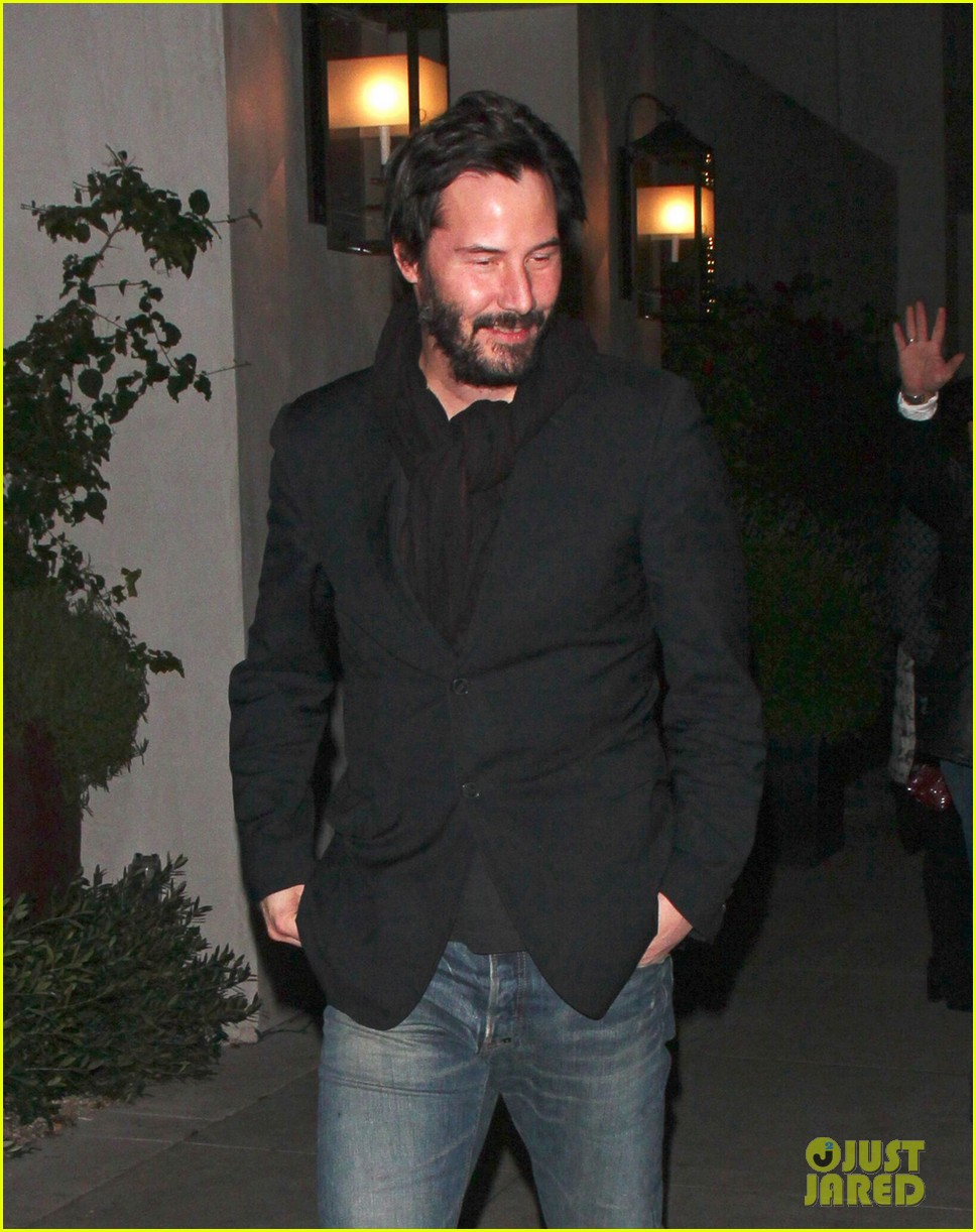 keanu reeves peace out 2012 042782871