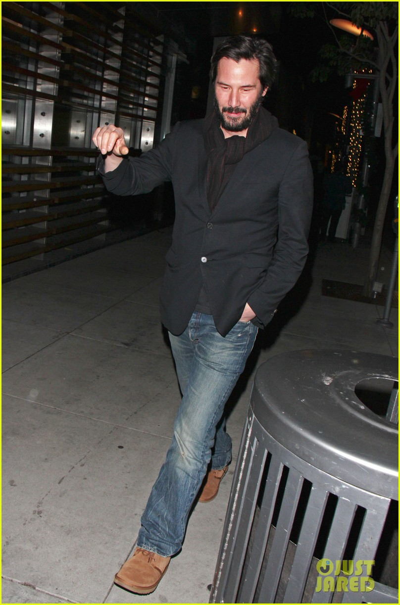 keanu reeves peace out 2012 05