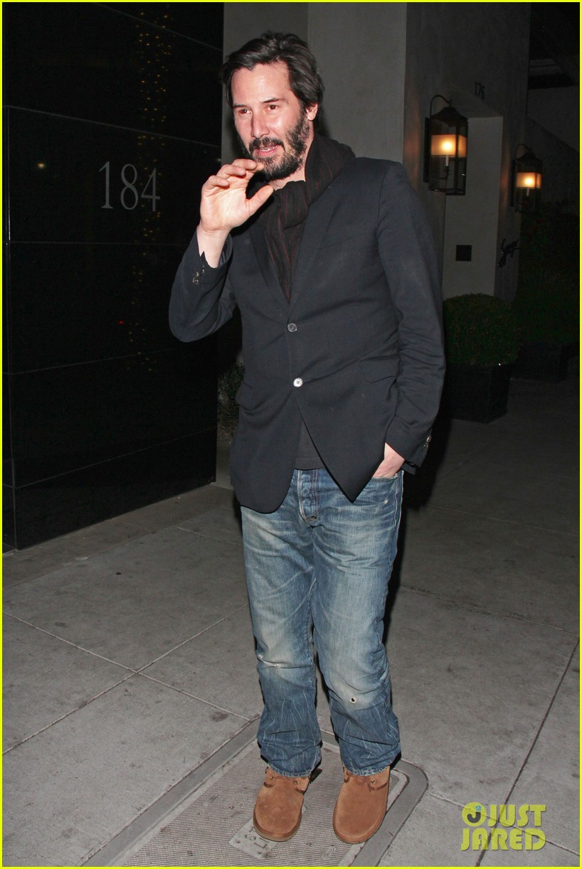 keanu reeves peace out 2012 062782873