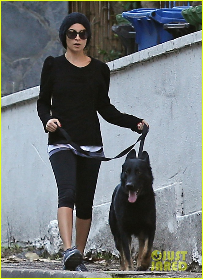 nicole richie morning stroll with her pup iro 012776845