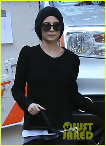 nicole richie morning stroll with her pup iro 022776846