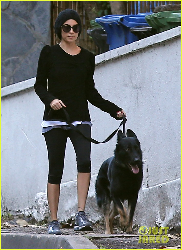 nicole richie morning stroll with her pup iro 062776850