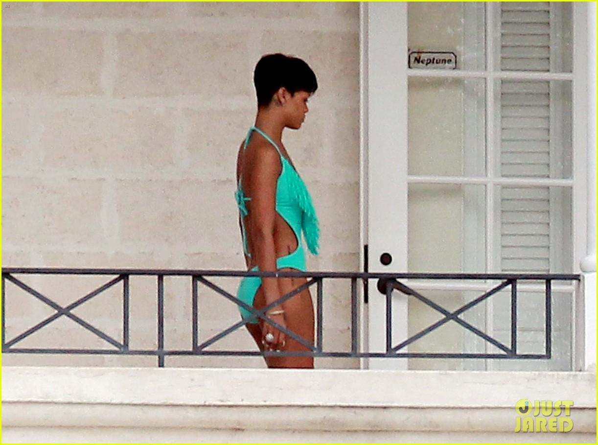 rihanna bikini barbados 092779373