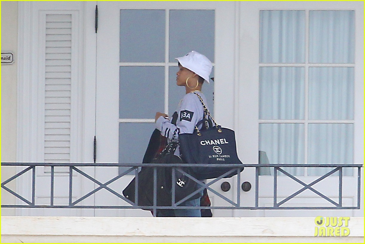 rihanna gran gran dolly memorial at barbados hospital 04