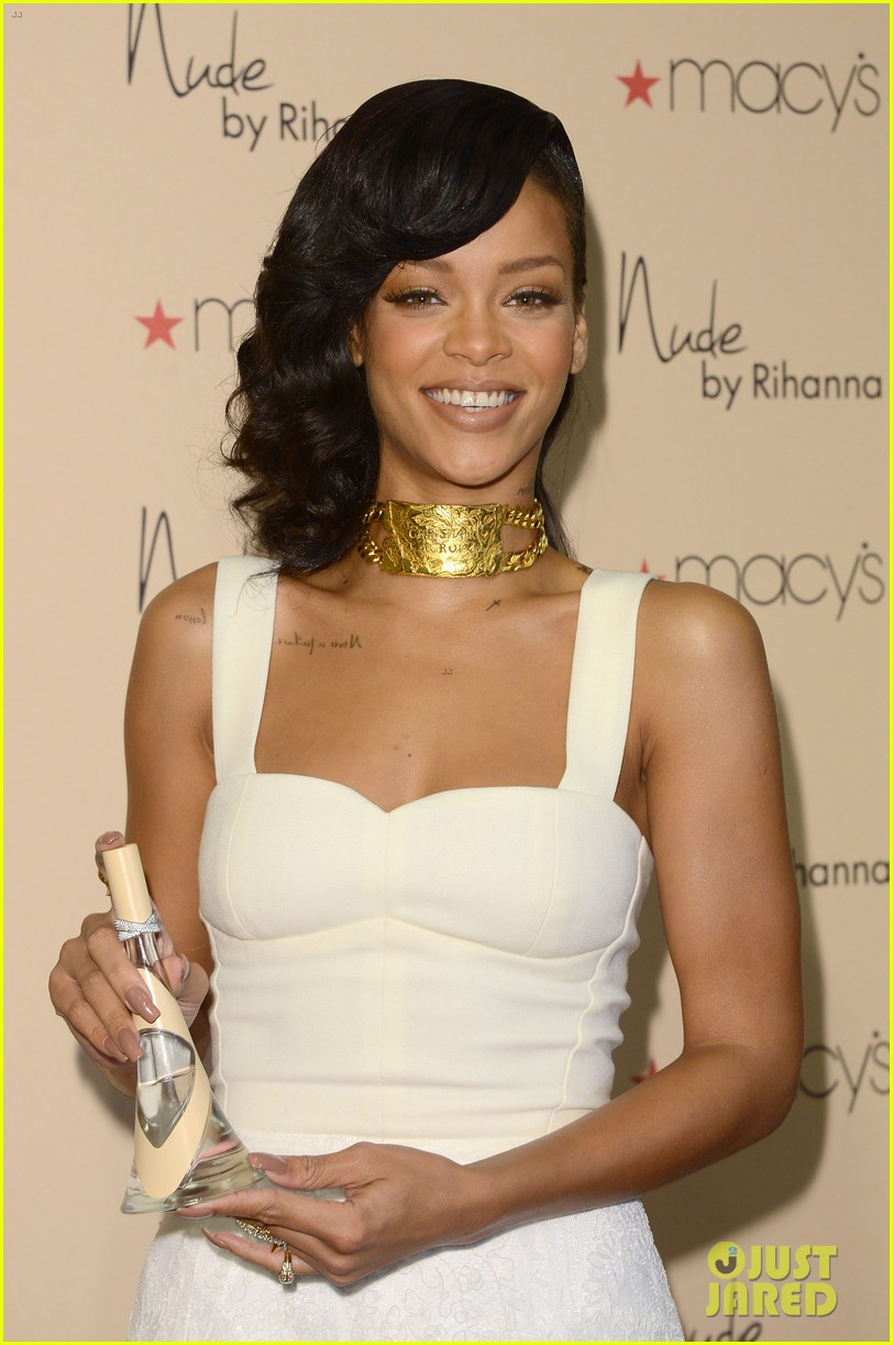 rihanna nude fragrance launch 012767521