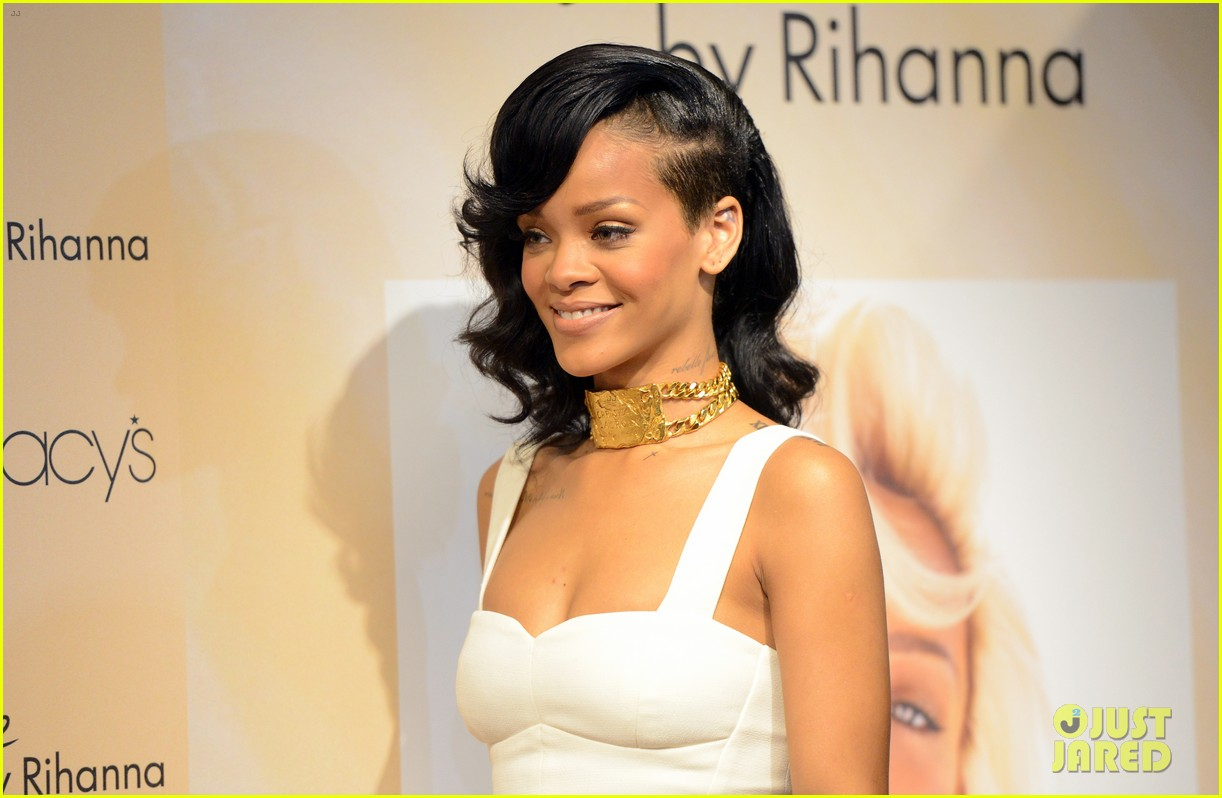 rihanna nude fragrance launch 05