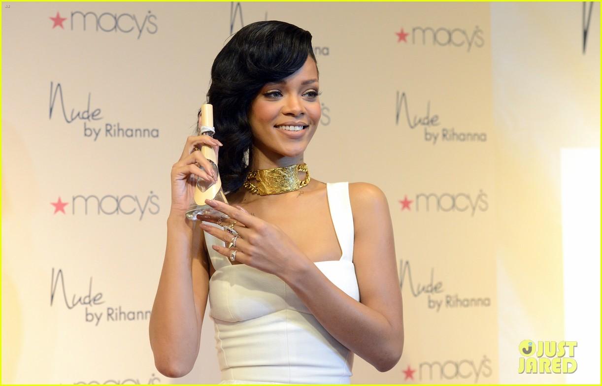 rihanna nude fragrance launch 092767529