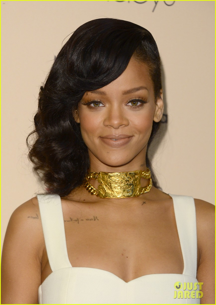 rihanna nude fragrance launch 12