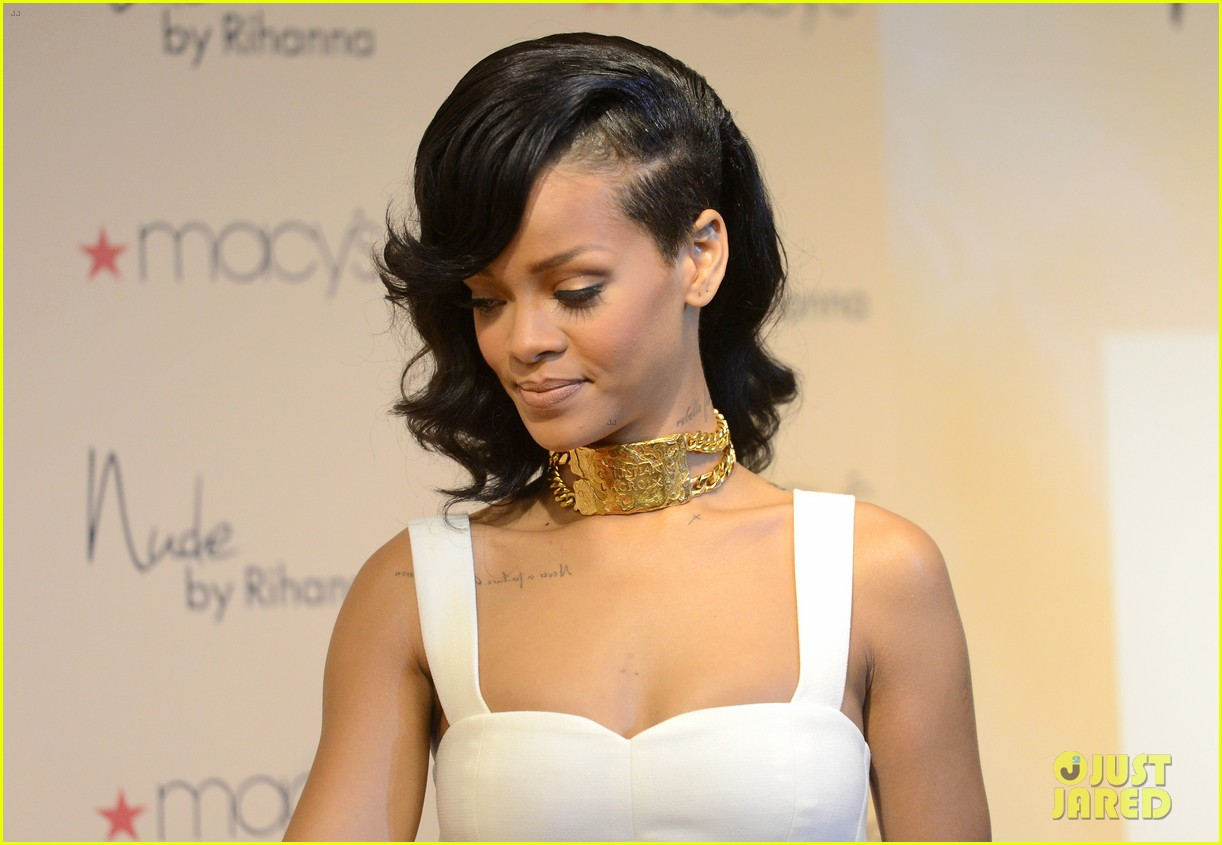 rihanna nude fragrance launch 16