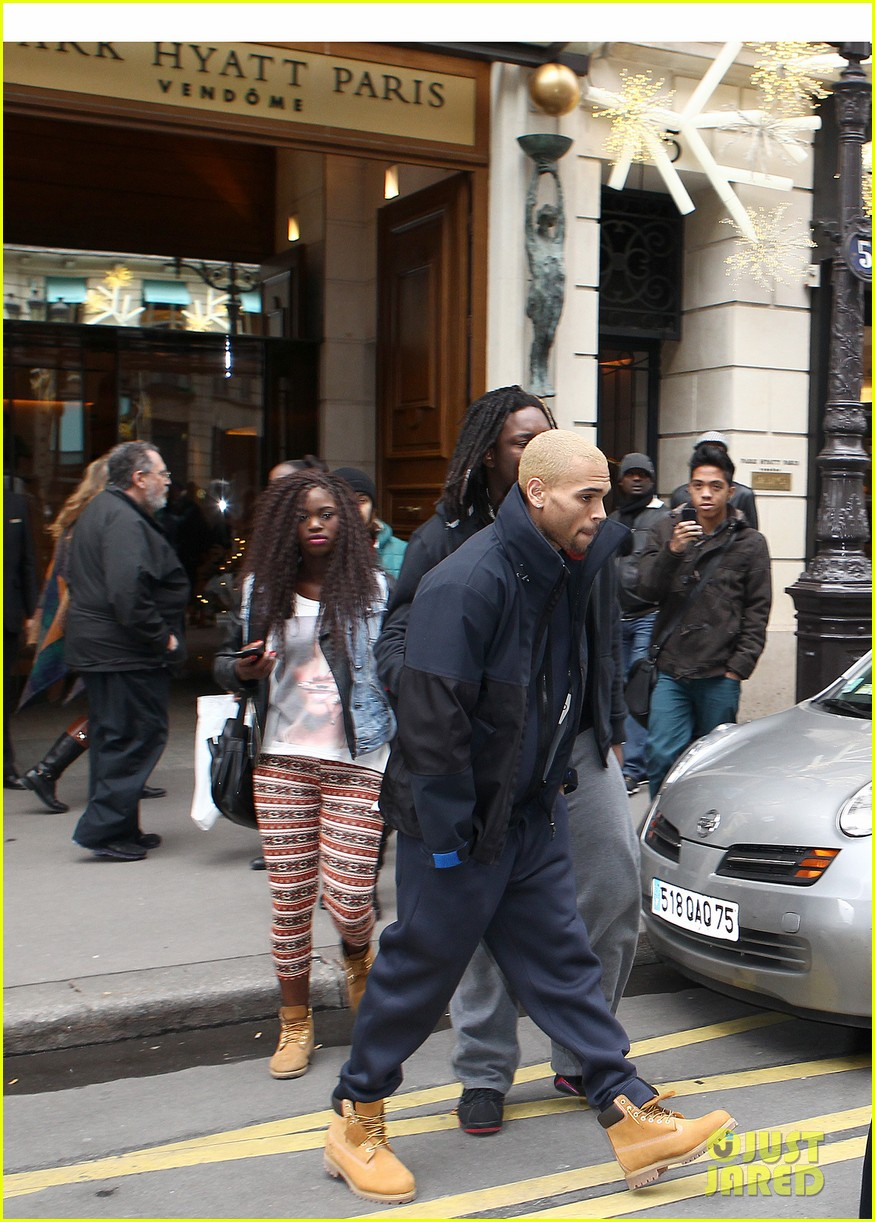 rihanna chris brown separate paris outings 06