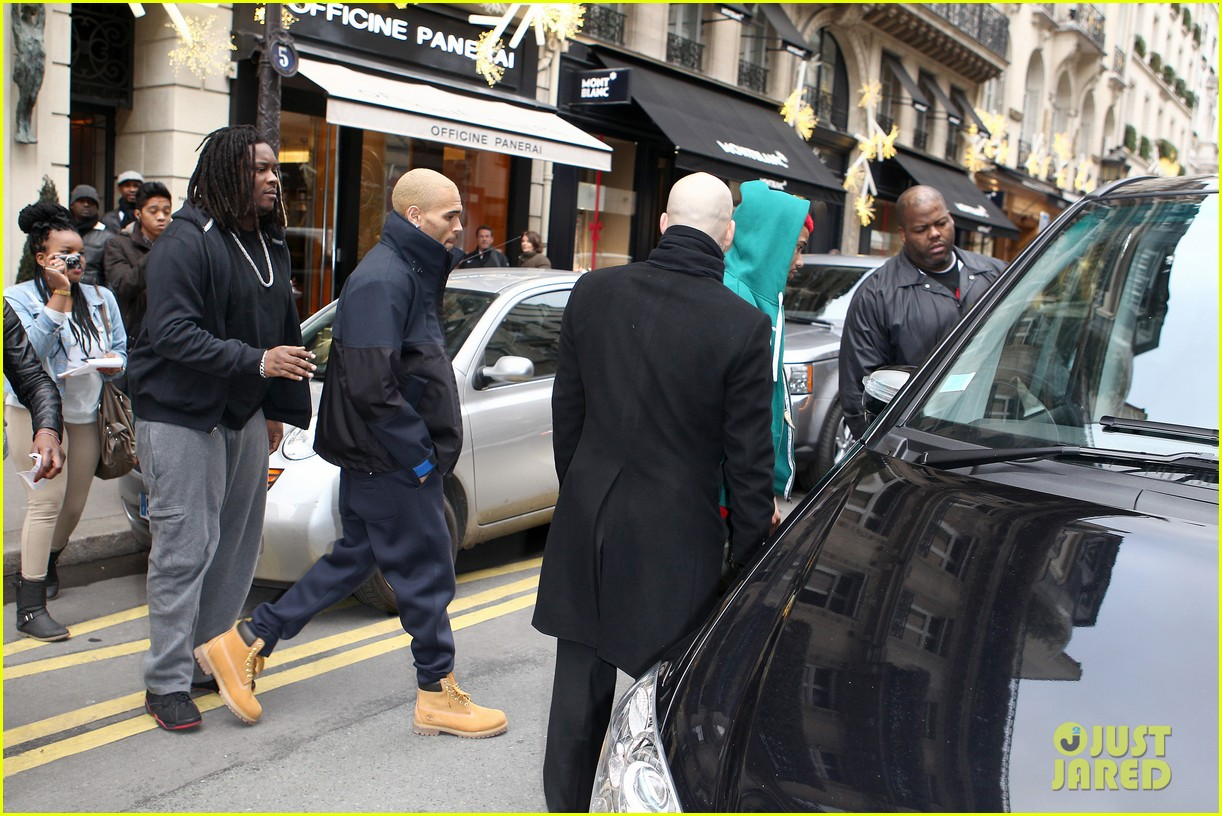 rihanna chris brown separate paris outings 082772889