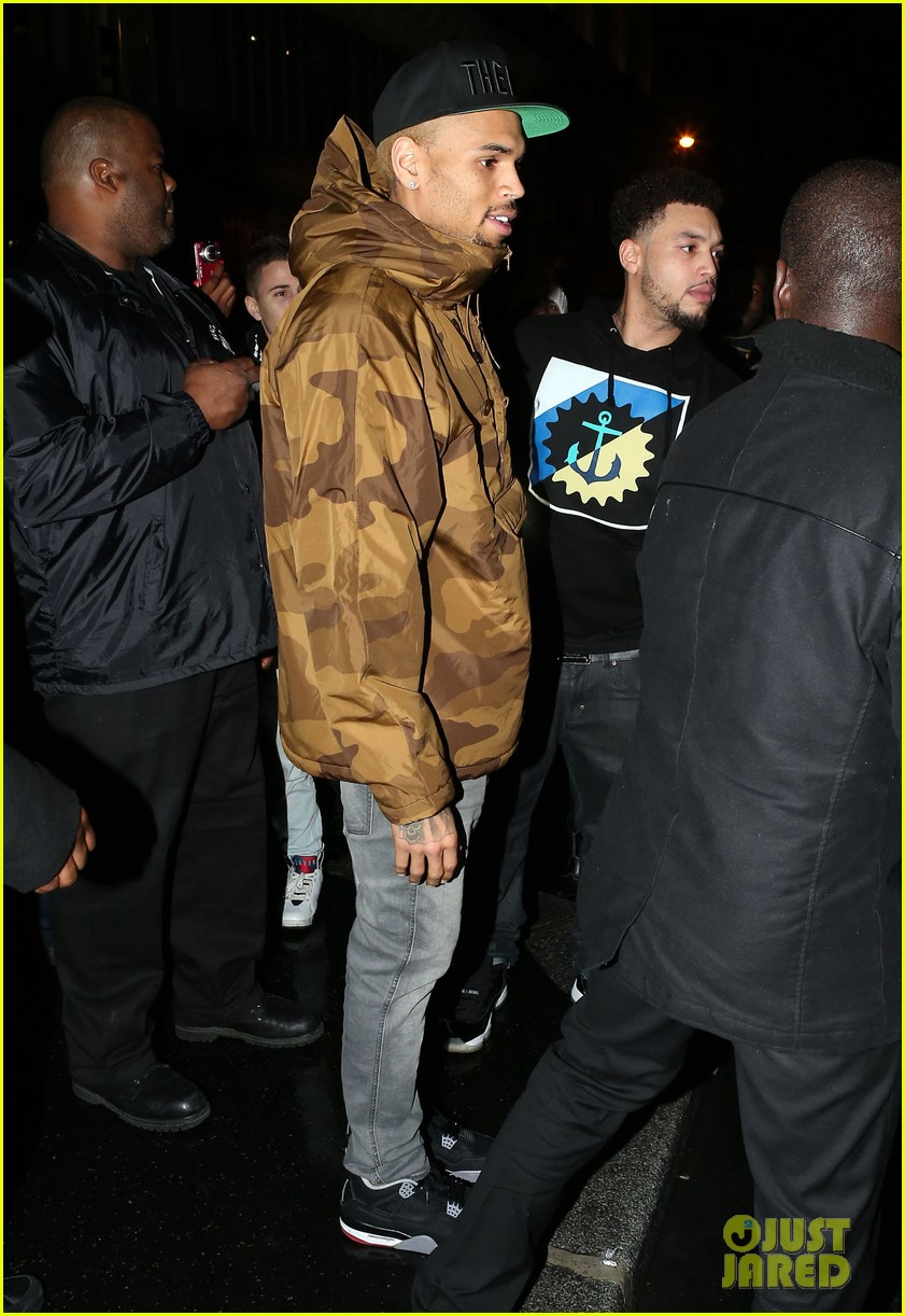 rihanna chris brown separate paris outings 152772896