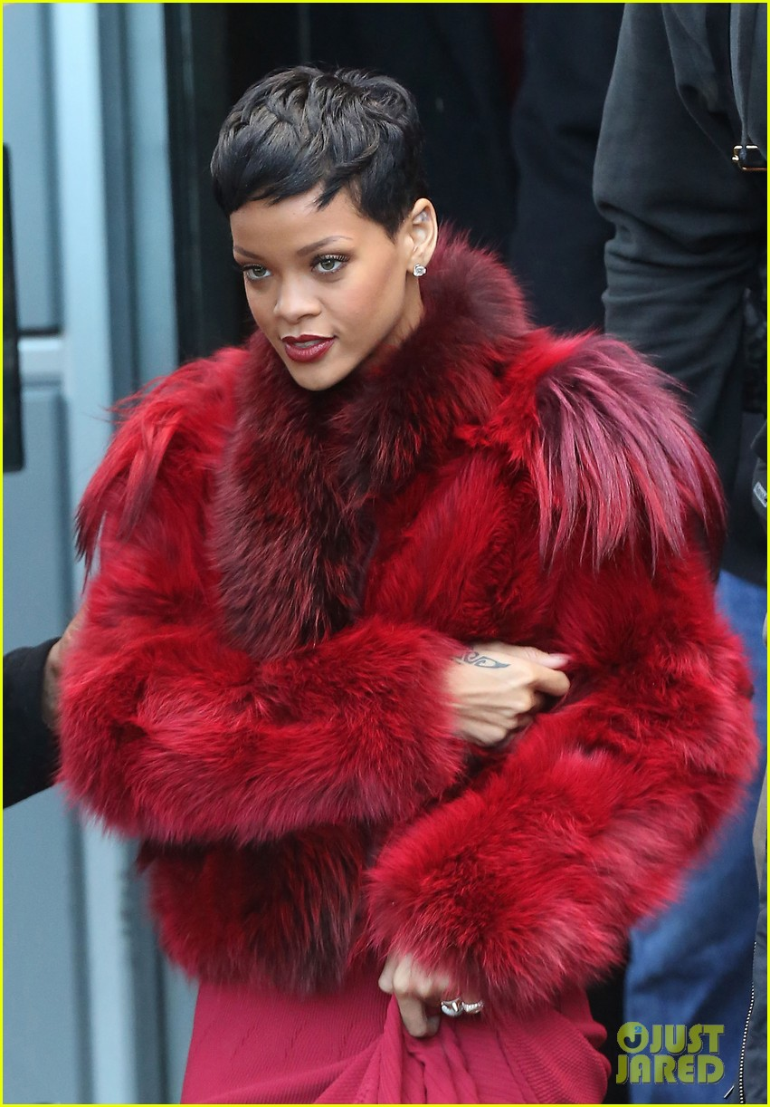 rihanna chris brown separate paris outings 17