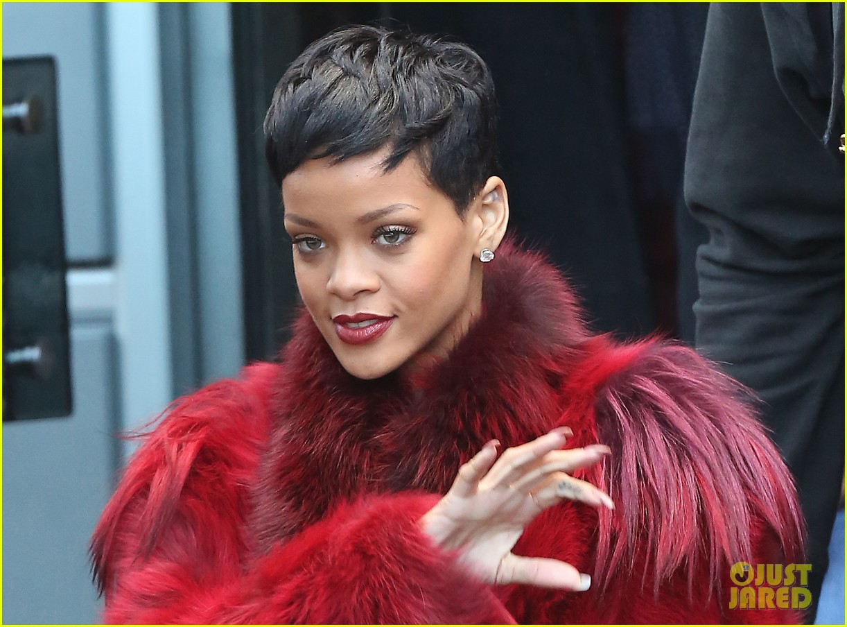 rihanna chris brown separate paris outings 192772900
