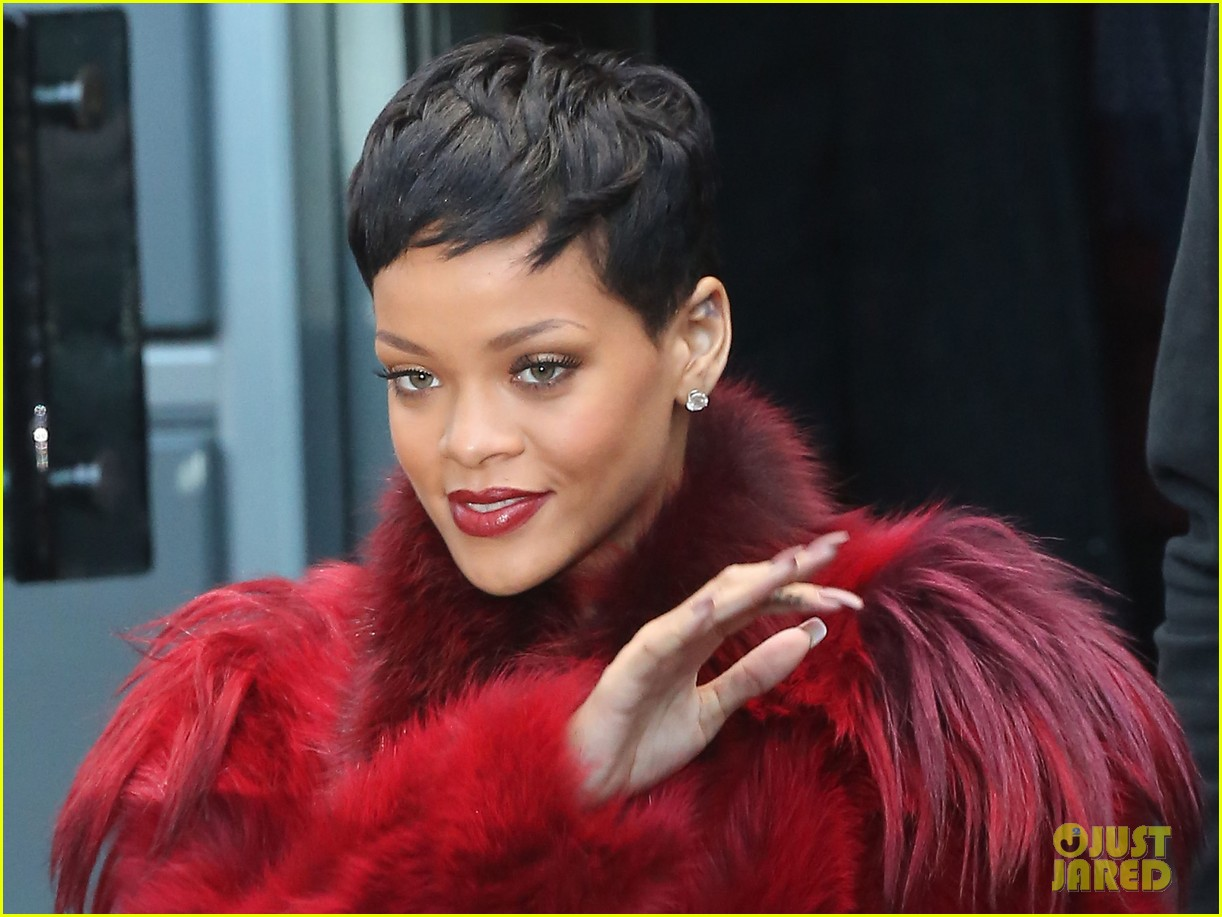 rihanna chris brown separate paris outings 212772902