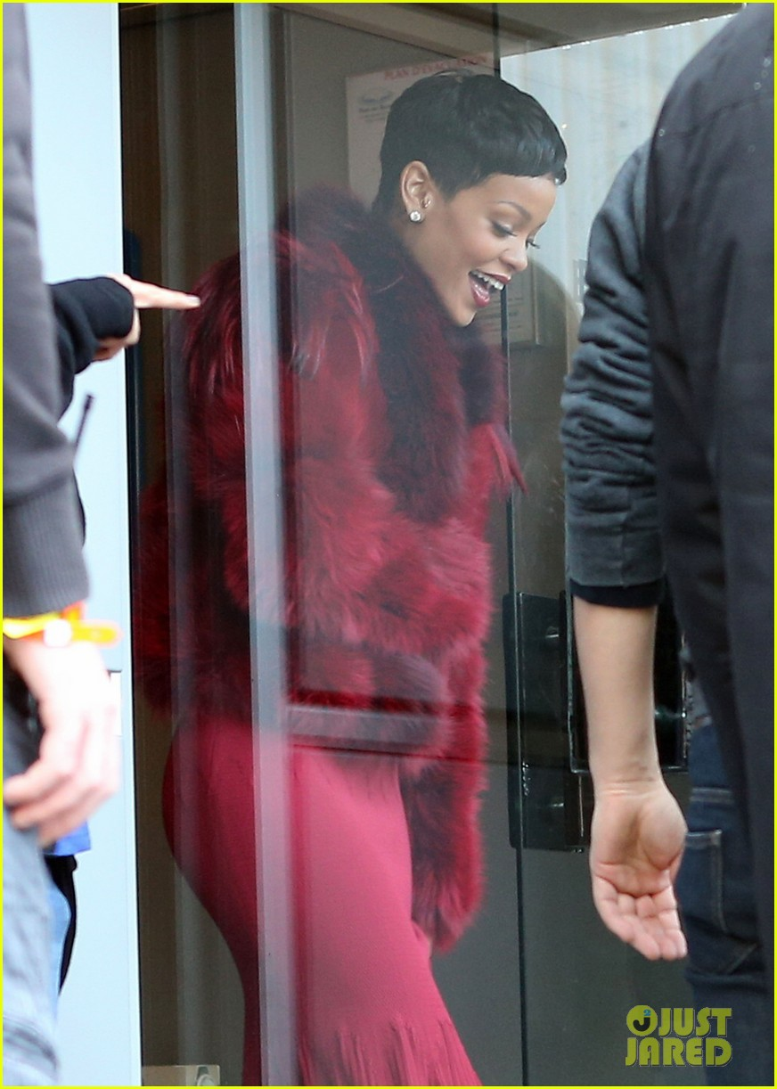 rihanna chris brown separate paris outings 252772906