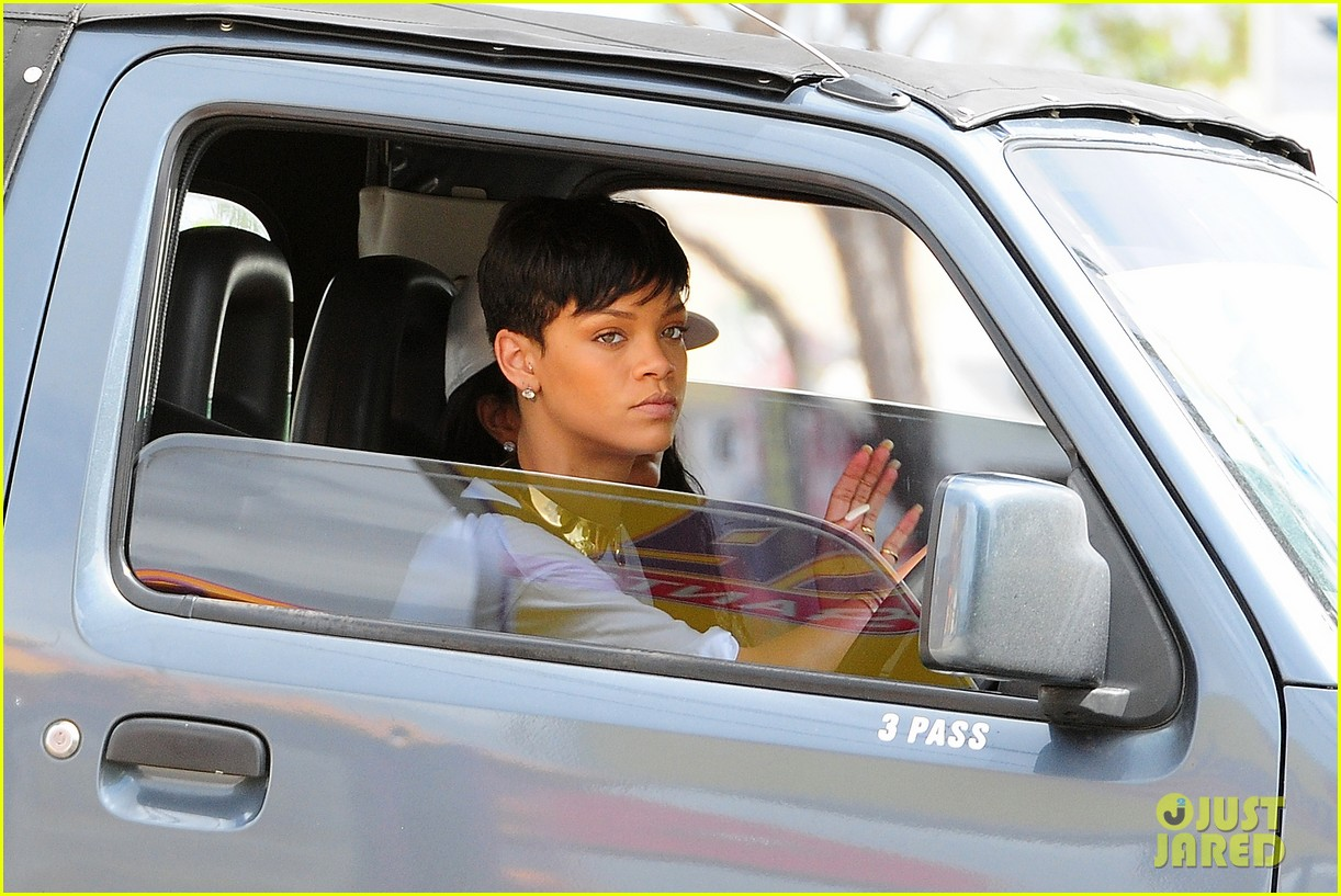 rihanna holiday shopping in barbados 172779300