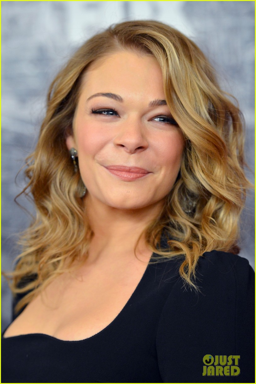 leann rimes acas 2012 red carpet 09