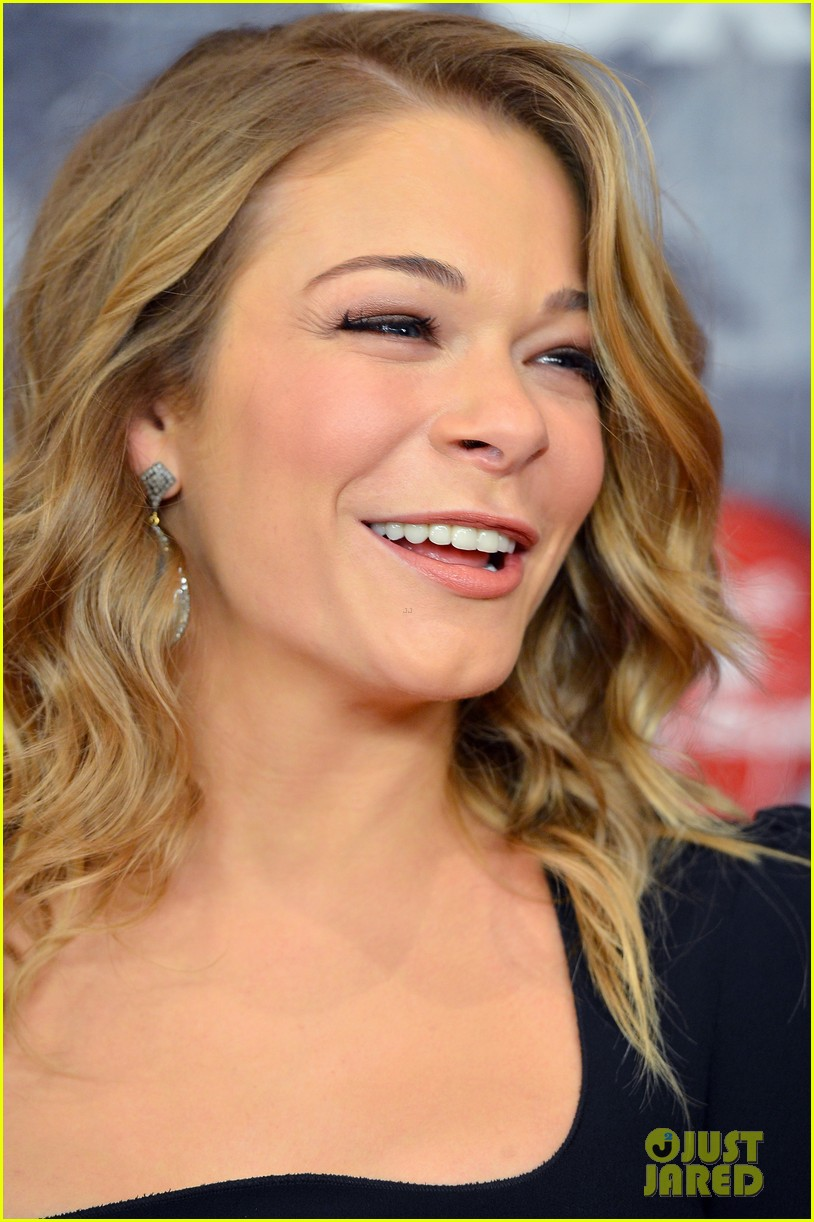 leann rimes acas 2012 red carpet 112773356