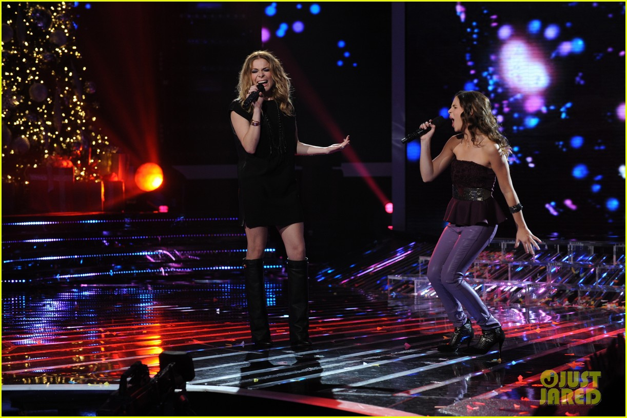 leann rimes carly rose sonenclar x factor finale performance 052778494