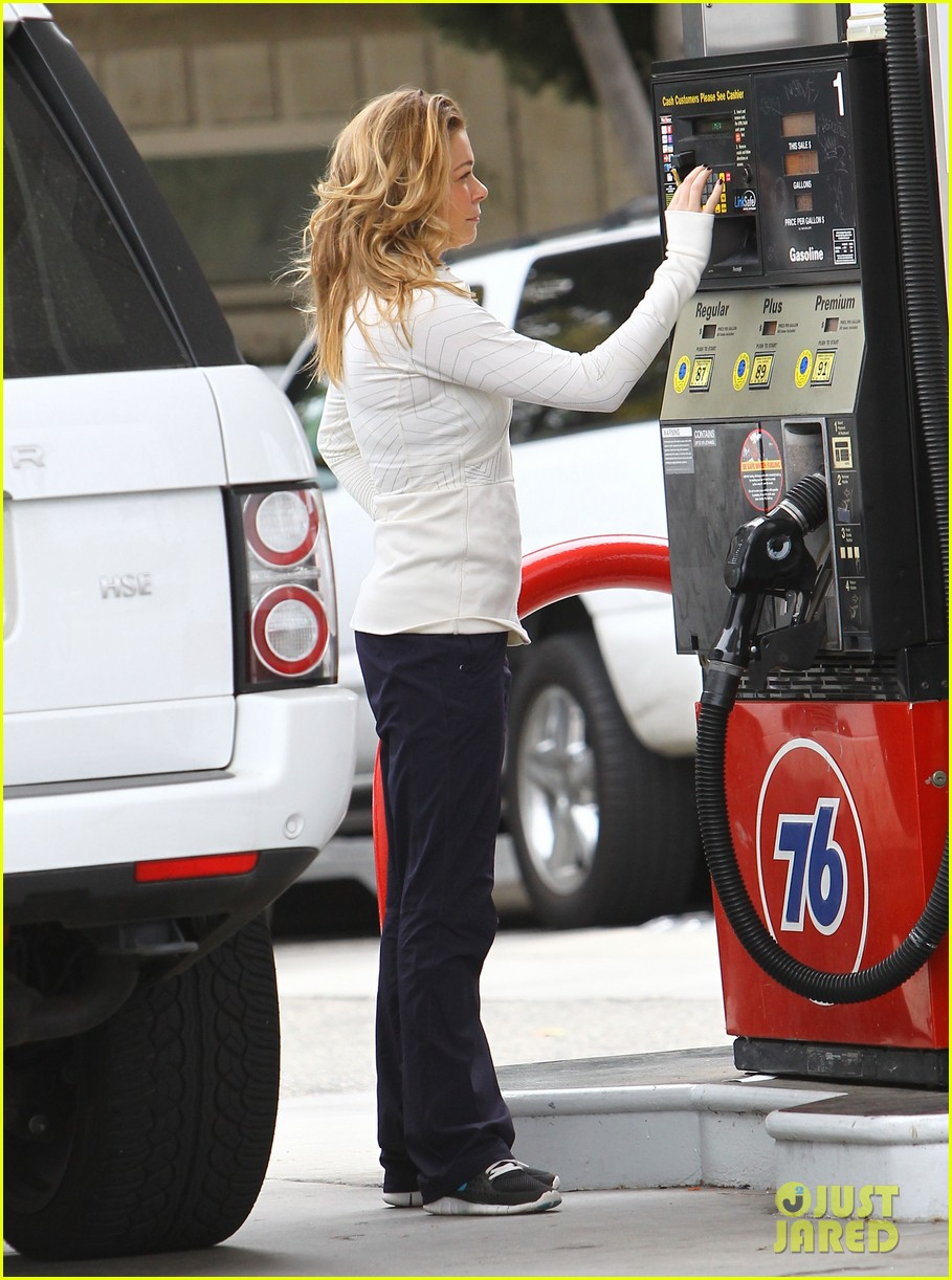 leann rimes gas station gal 072774715