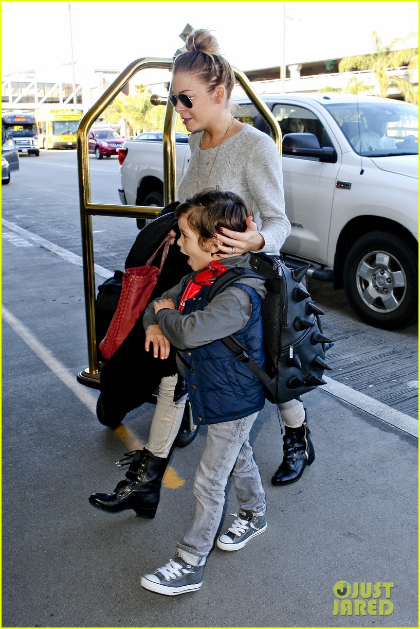 leann rimes post holiday nashville trip with the family 062781060