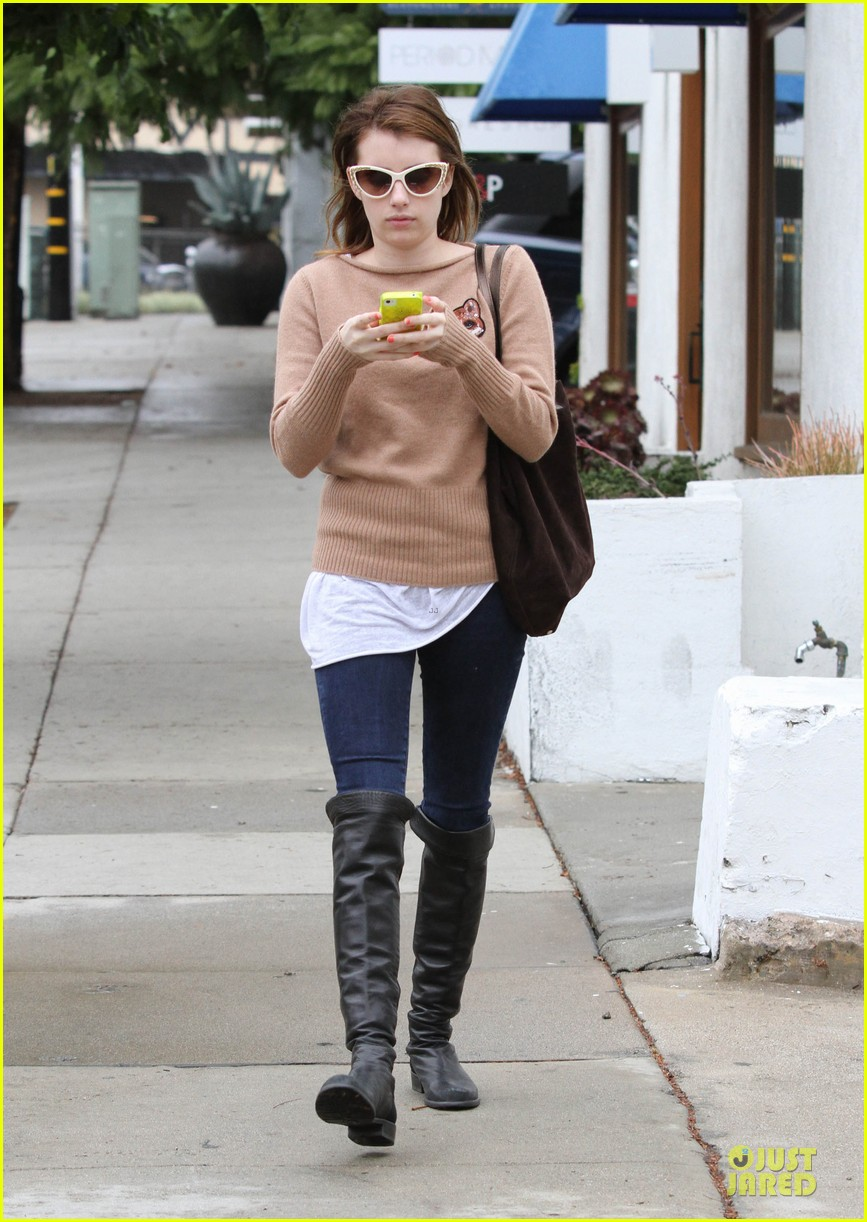 emma roberts fashion is about doing thigns that are different interesting 012767032