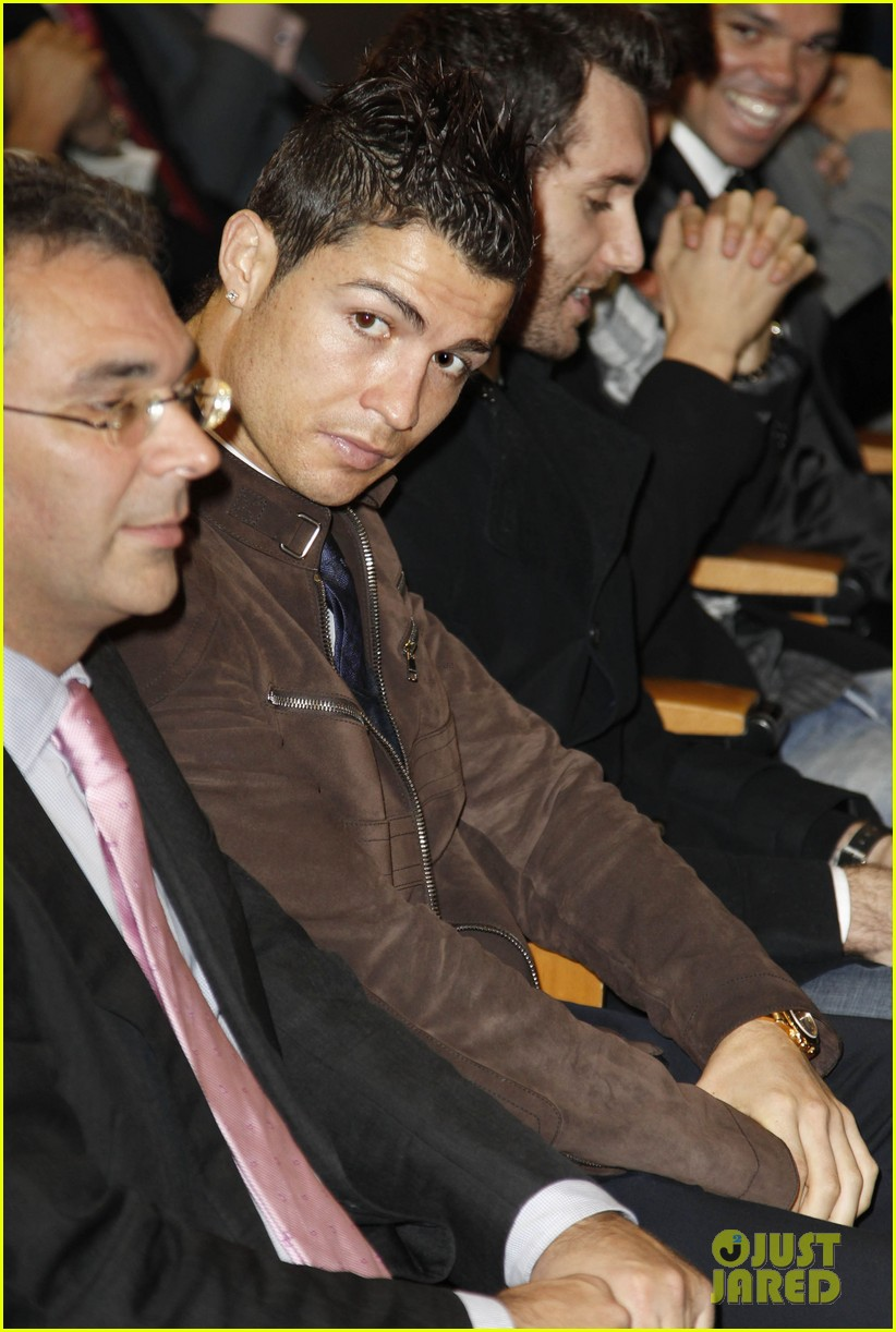 cristiano ronaldo no child without toys campaign 022777224
