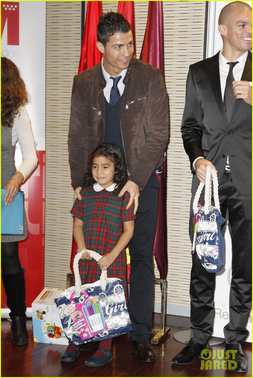 cristiano ronaldo no child without toys campaign 032777225