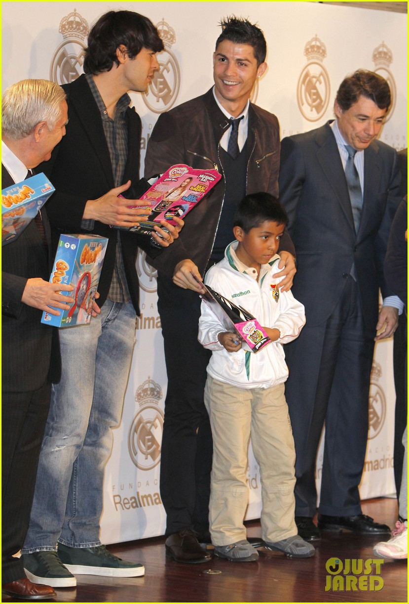 cristiano ronaldo no child without toys campaign 062777228