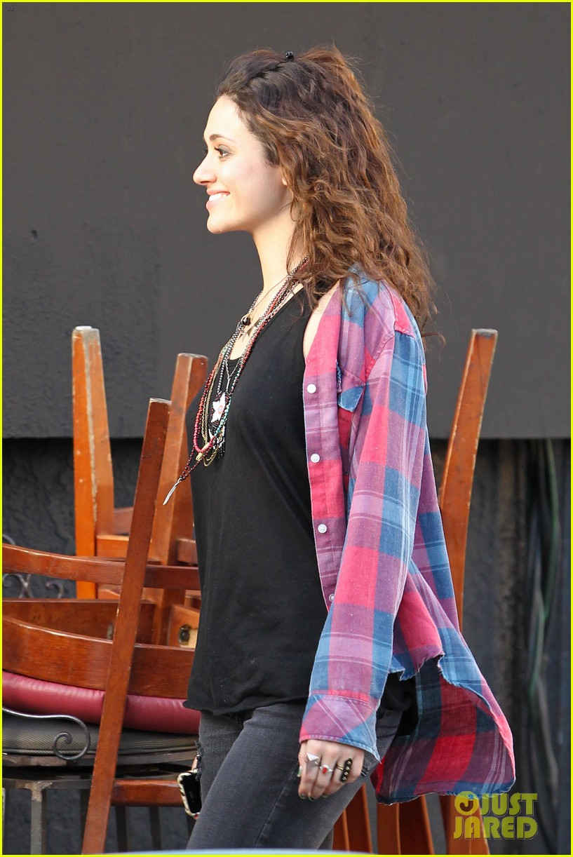 emmy rossum hilary swank youre not you set 09