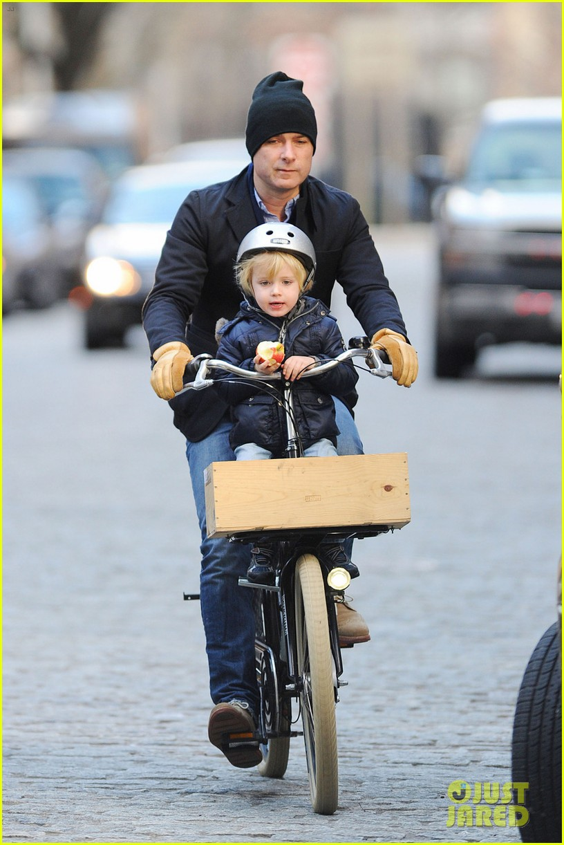naomi watts liev schreiber loves biking with the boys 012775815