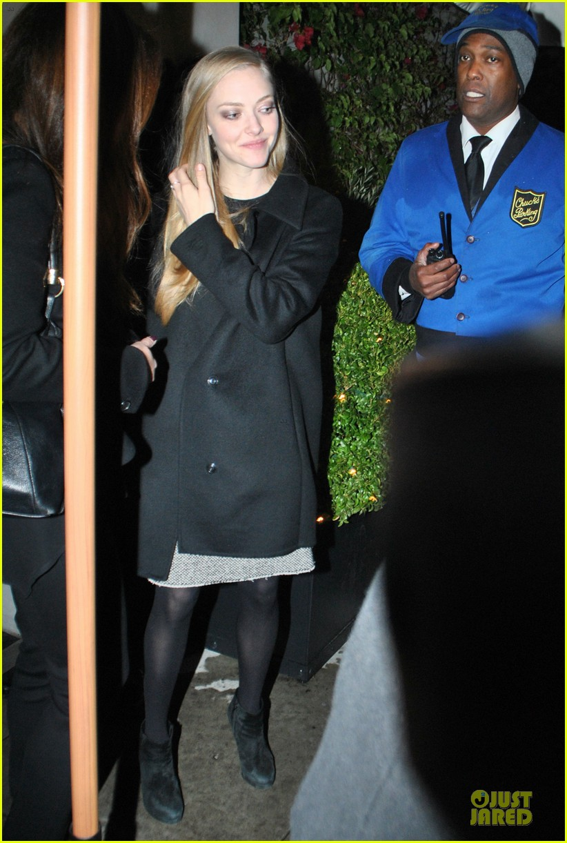 amanda seyfried & hugh jackman pre golden globes nominee party 012776375