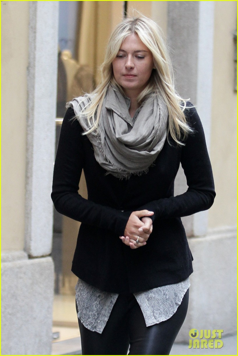 maria sharapova christmas shopping at armani milan store 022767657