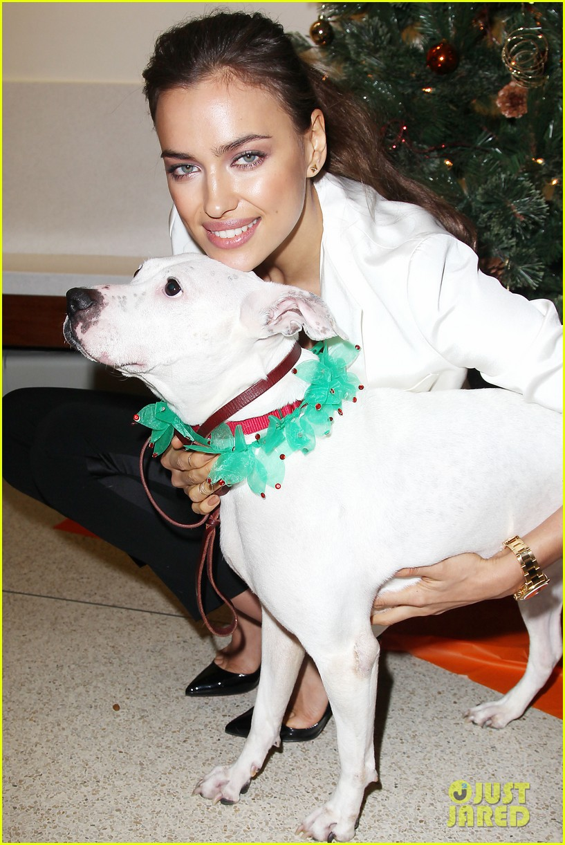 irina shayk aspca adoption center visit 072776018