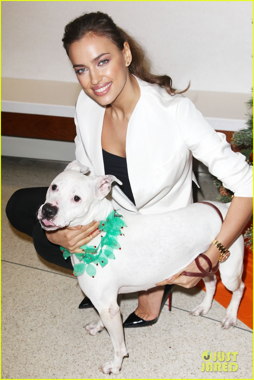 irina shayk aspca adoption center visit 082776019