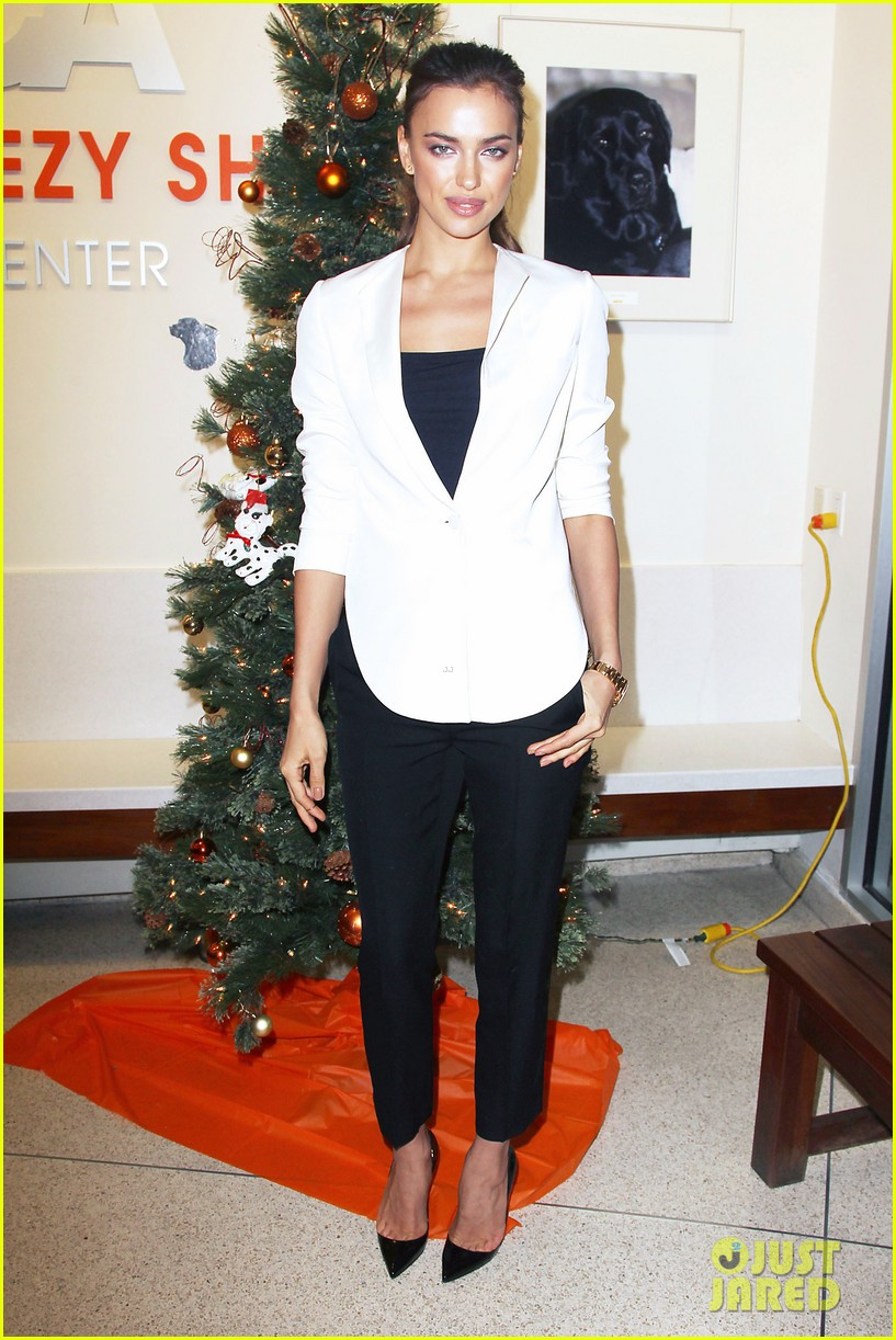 irina shayk aspca adoption center visit 14