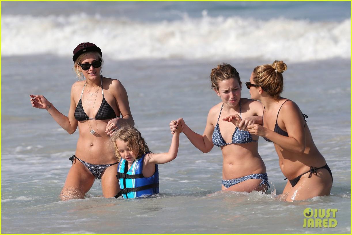ashlee simpson bikini babe in hawaii 122782219
