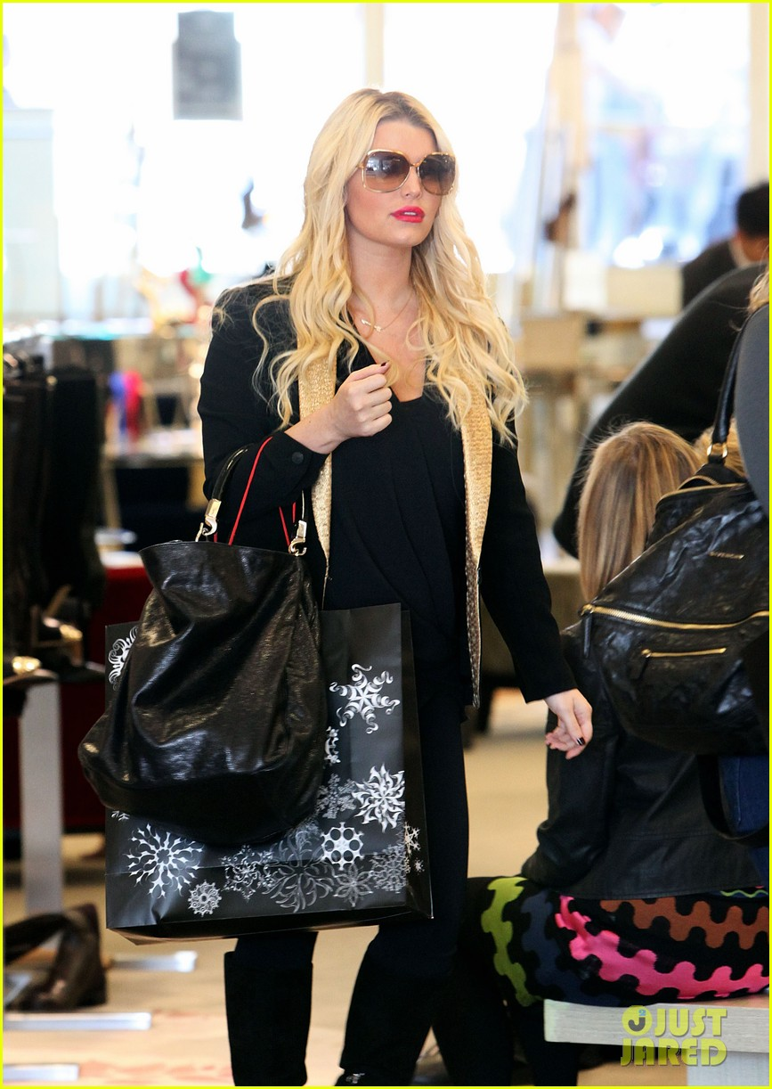 jessica simpson saks shopping spree in stilettos 042773199