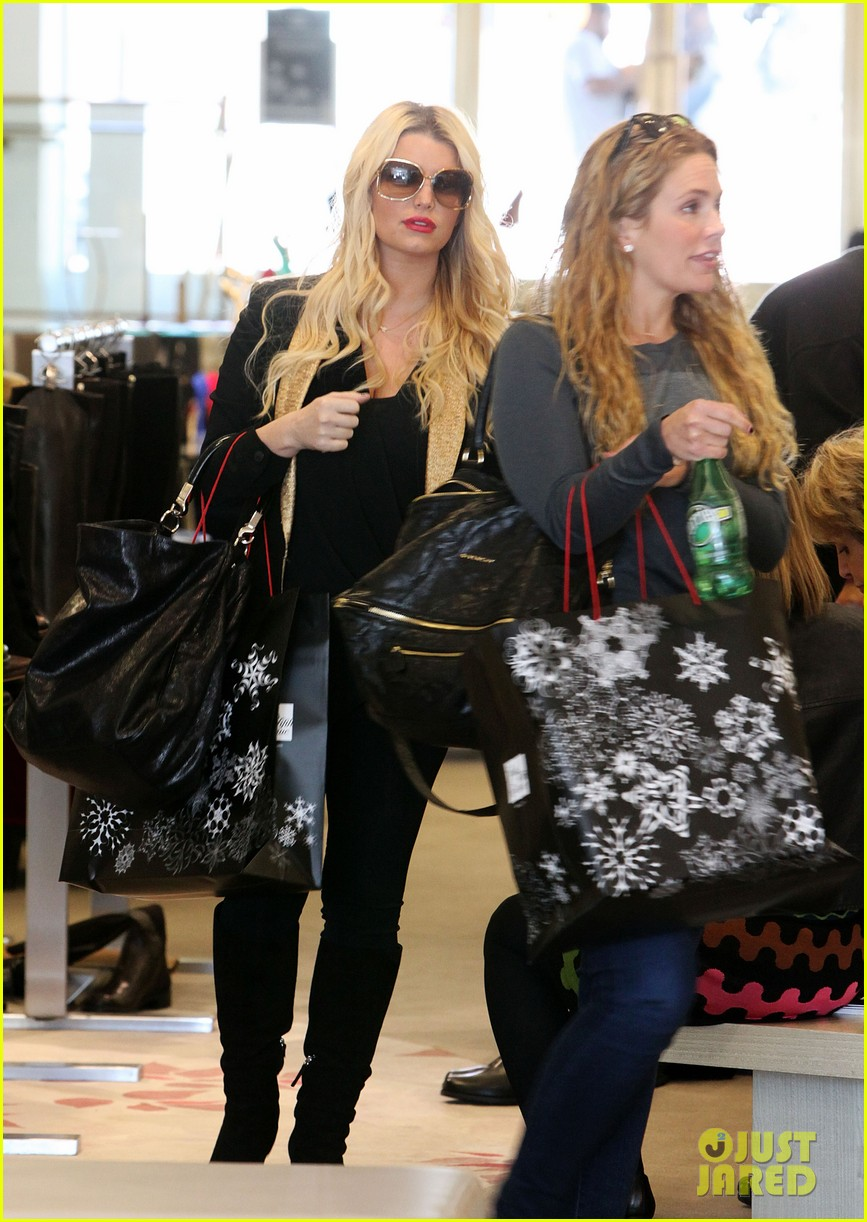 jessica simpson saks shopping spree in stilettos 052773200