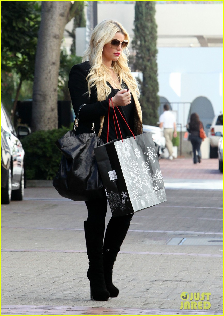jessica simpson saks shopping spree in stilettos 102773205