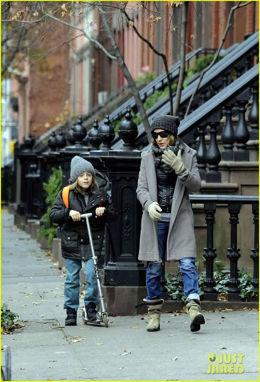 sarah jessica parker school stop with son james 042767250