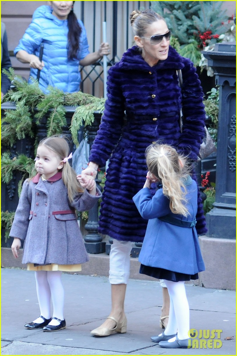 sarah jessica parker wednesday walk with the twins 12