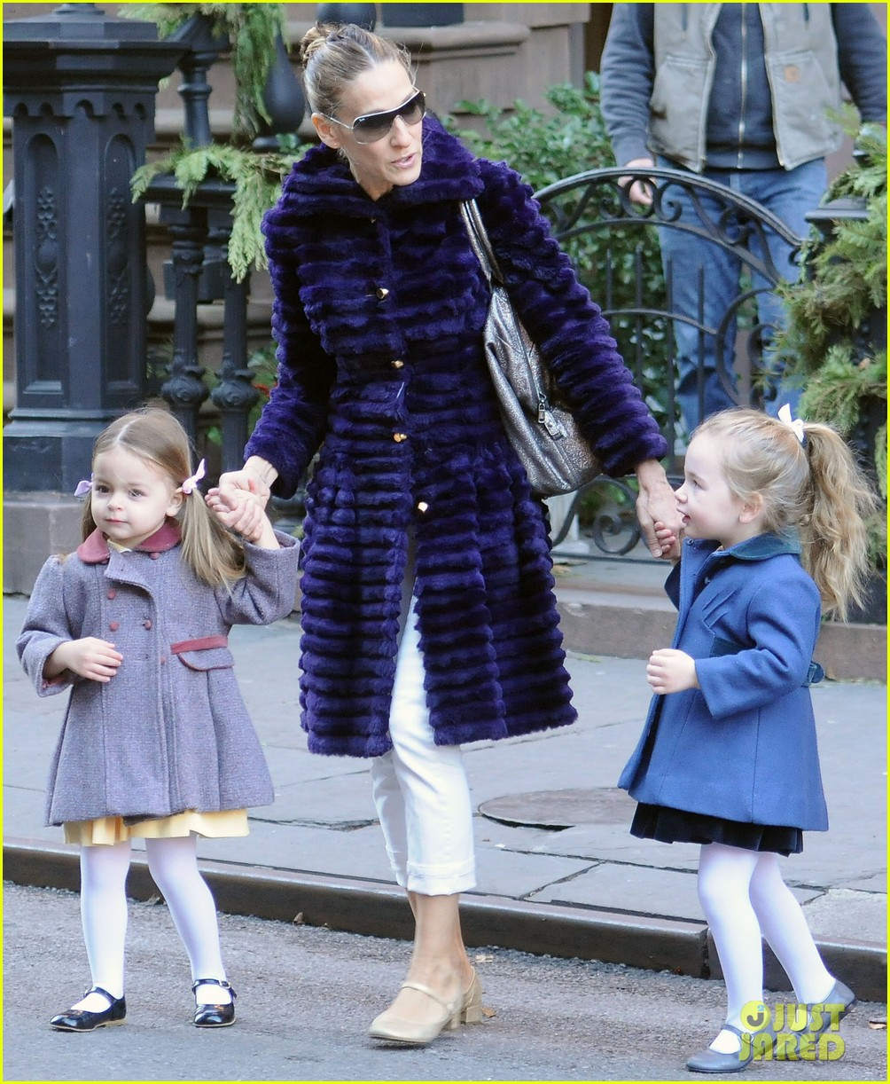 sarah jessica parker wednesday walk with the twins 142778604