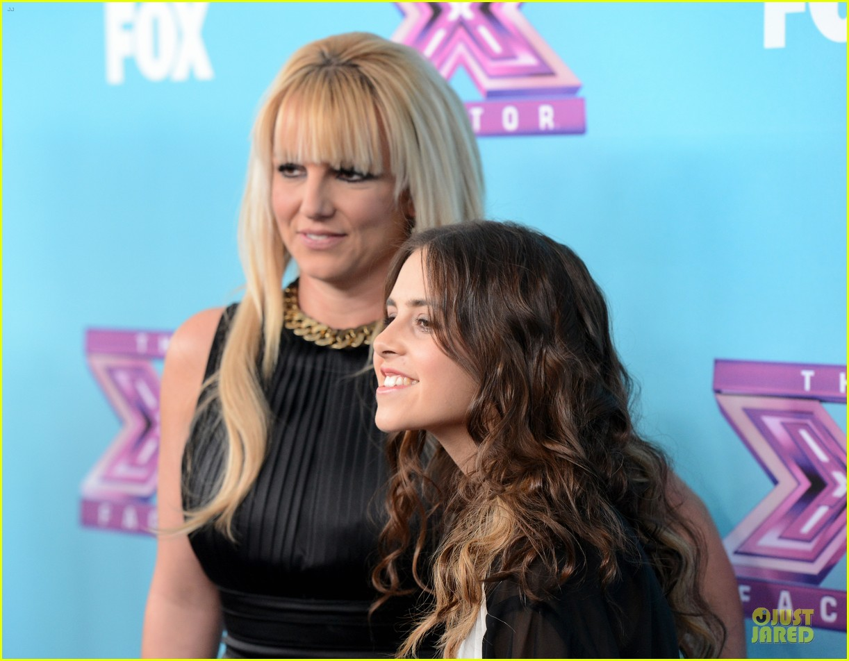 britney spears & demi lovato x factor finale conference 24