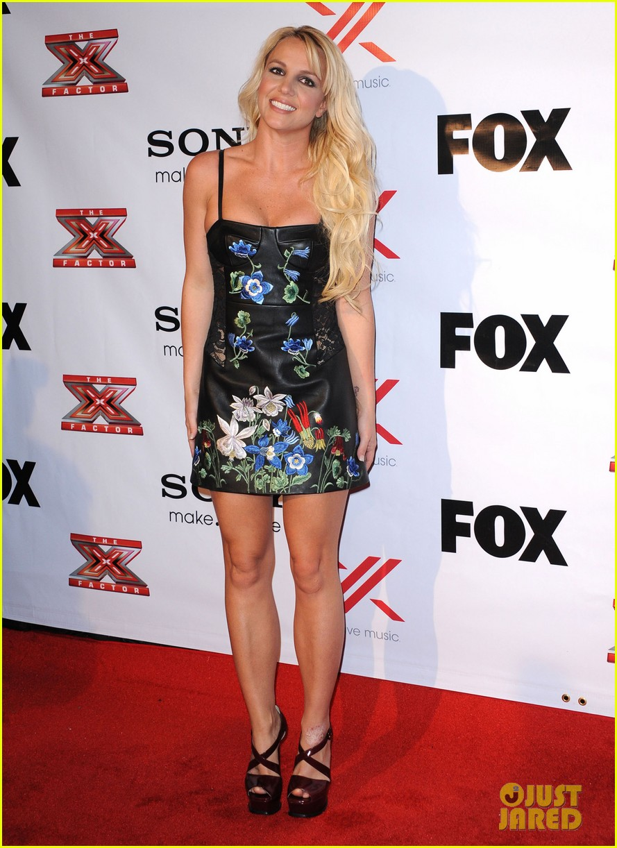 britney spears demi lovato x factor viewing  party 01