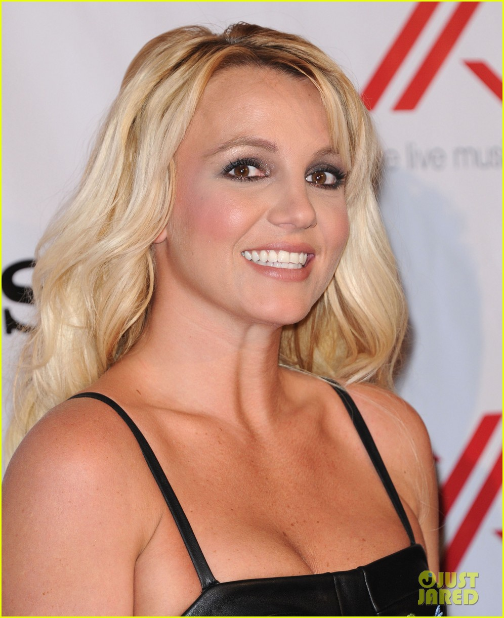 britney spears demi lovato x factor viewing  party 082771023